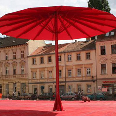 Gigant-Schirme